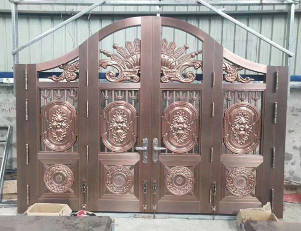 河北铜门安装完毕